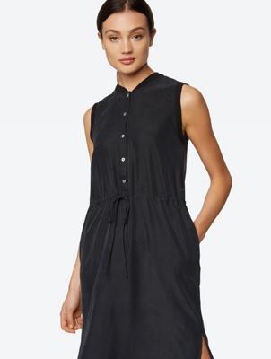 Sleeveless Dress in Shirt Style