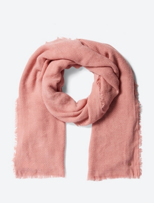 Soft Scarf with Fringed Edges