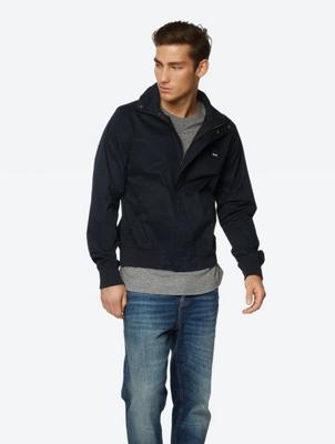 Wasserabweisende Jacke mit Stehkragen