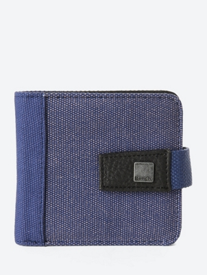 Canvas Wallet Communication with Snap Button Latch