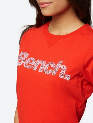 T-Shirt with Colourful Granular Bench Logo on the Front