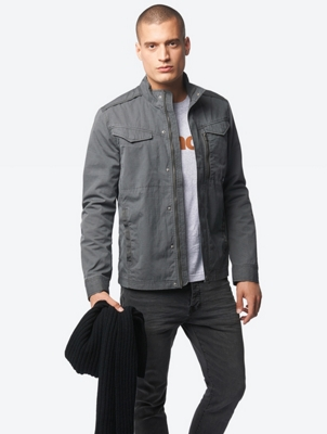 Plain Jacket with Striking Zip Pocket