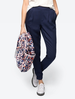 Plain Trousers with Structured Pattern