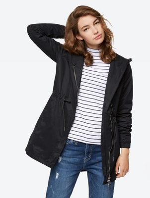 FEMININE COAT WITH DETACHABLE HOOD