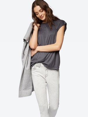 Fine Ribbed T-Shirt without Sleeves
