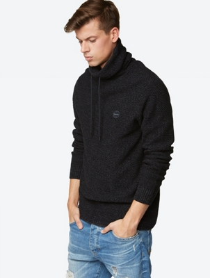 Grobstrick-Pullover mit Stehkragen mit Tunnelzug