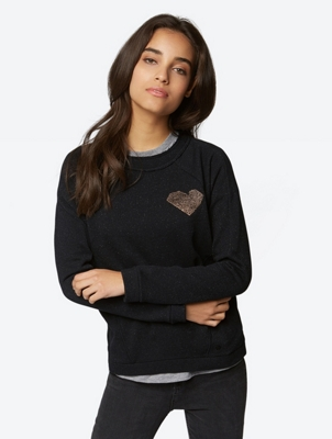 Sweatshirt with Shiny Granular Heart Motif