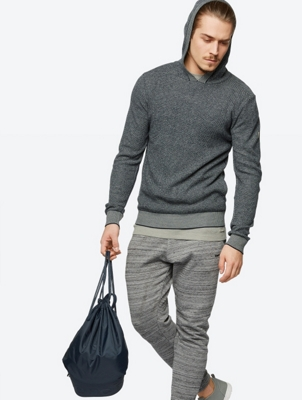 Two-Tone Hoodie Articulate in Soft Knit.