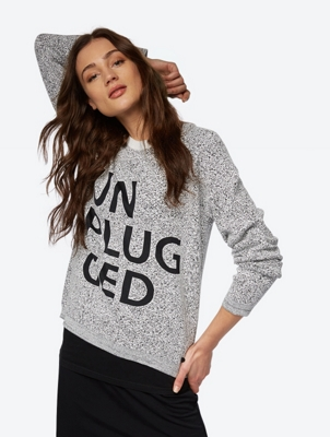 Gemusterter Pullover mit Front-Print