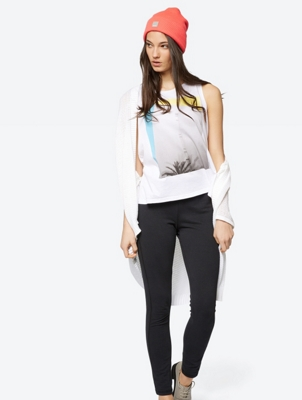 Jersey Vest Softness with Abstract Photo Print