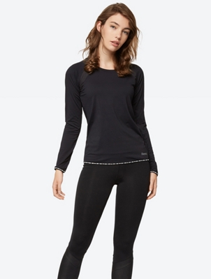 Plain Long-Sleeve Top with Branded Piping