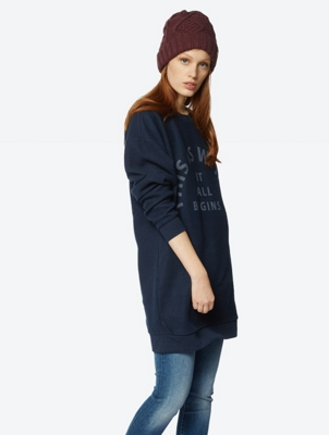 Long Cut Sweatshirt with Print