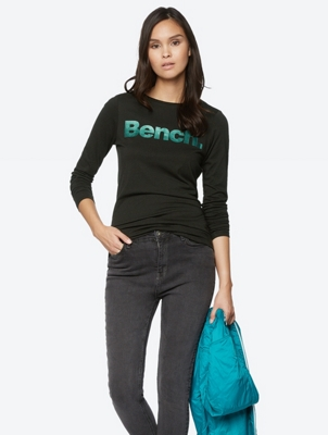 Long-Sleeve Top with Shiny Bench Lettering