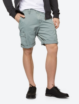Cargo Shorts Evade with Functional Pockets