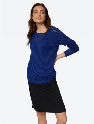 Leichter Pullover mit Loch-Muster