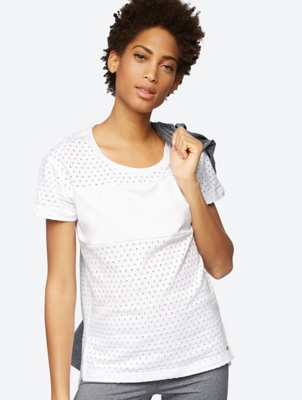 Plain T-Shirt with Peephole Pattern