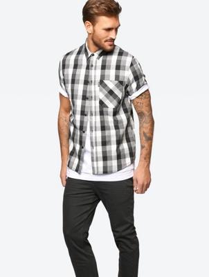 Kariertes Hemd mit kurzen Ärmeln