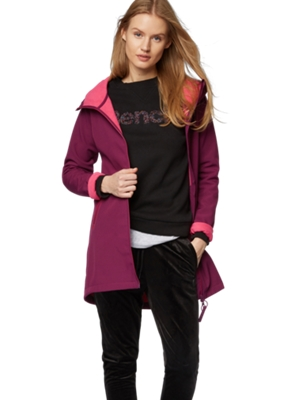 Softshell Jacket with an Elongated Fit