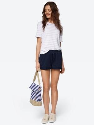 Unifarbene Shorts mit Flammgarn-Effekt