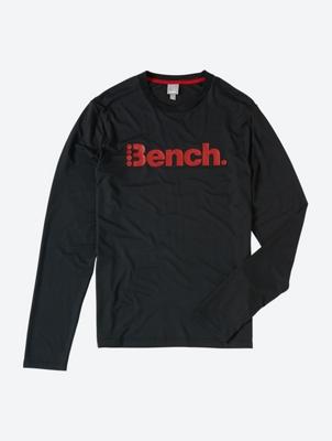 Sportiv designtes Langarmshirt mit Bench-Print auf der Brust