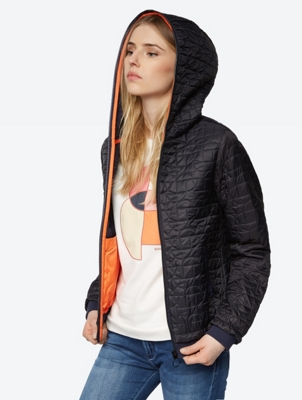 Water Repellent Jacket with Quilted Pattern
